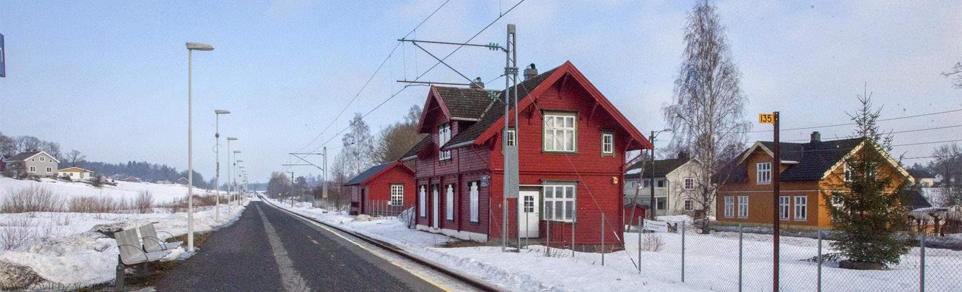 torp, norwegia, stacja kolejowa